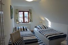 Schlafzimmer 2: 2 Einzelbetten 90 x 200 cm